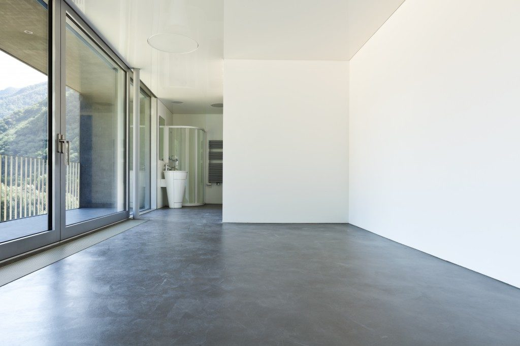 Cocnrete flooring in a room